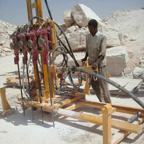 Mobile Rock Drill with 4 hammers
